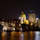 Prague_-_Charles_Bridge_at_night
